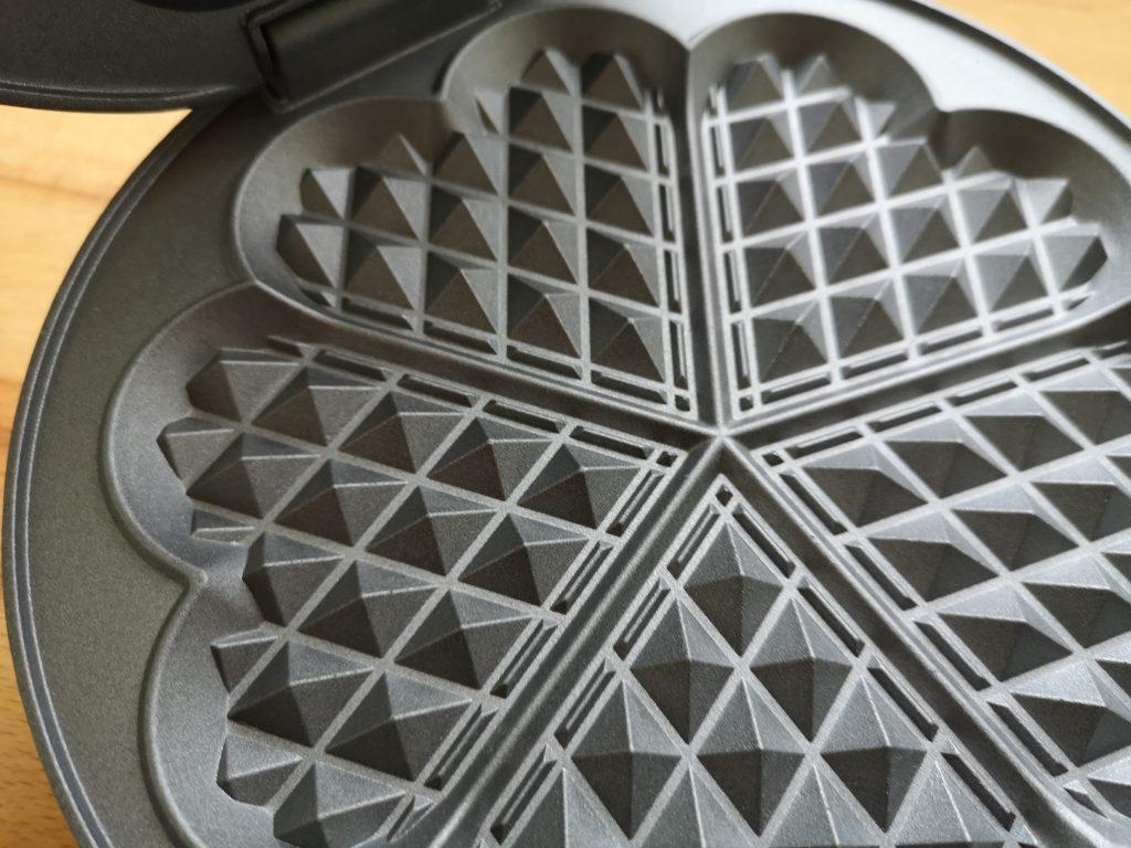 Antihaft beschichtete Oberfläche vom Cloer Waffeleisen